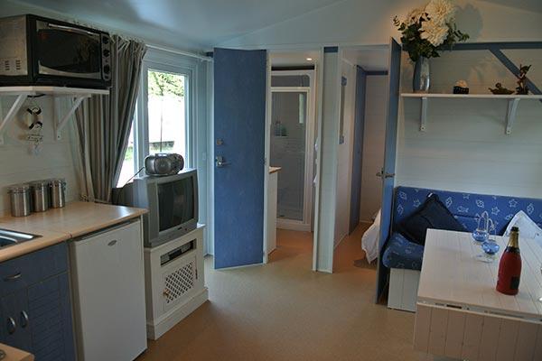 mobile-home-1055b.jpg
