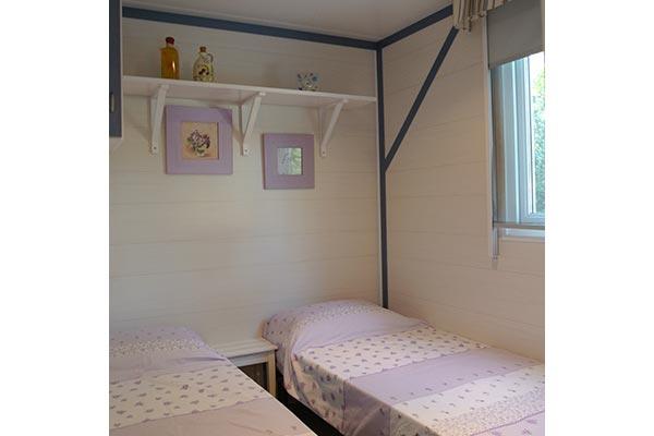 mobile-home-1055g.jpg