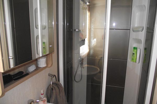 mobile-home-1067f.jpg