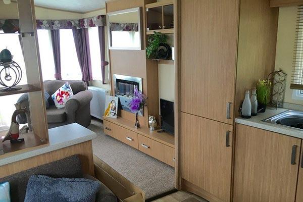 mobile-home-1078b.jpg