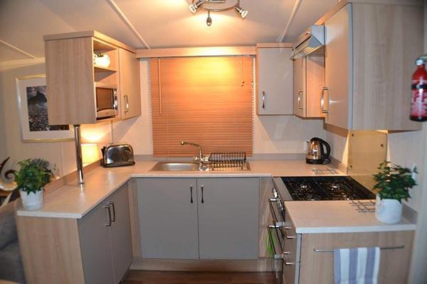 mobile-home-1085c.jpg