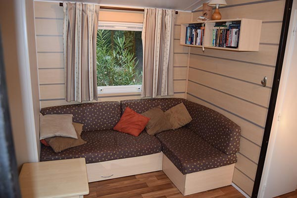 mobile-home-1089c.jpg