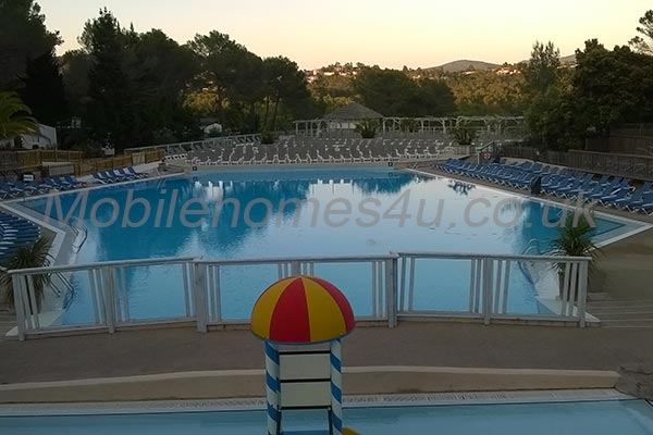mobile-home-1102f.jpg