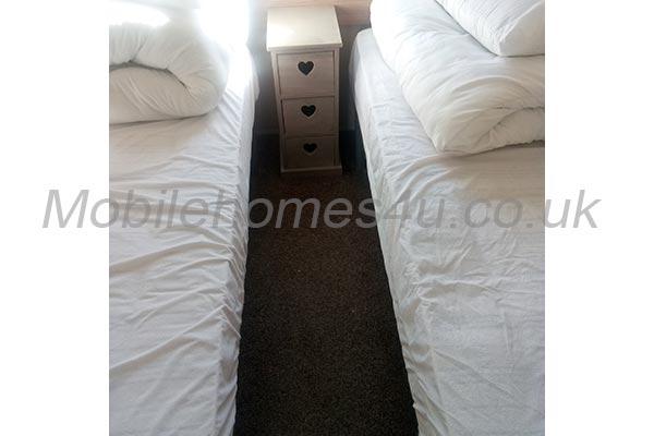 mobile-home-1169g.jpg