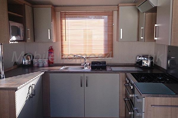 mobile-home-1173b.jpg