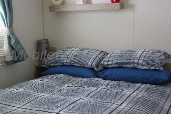 mobile-home-1208f.jpg