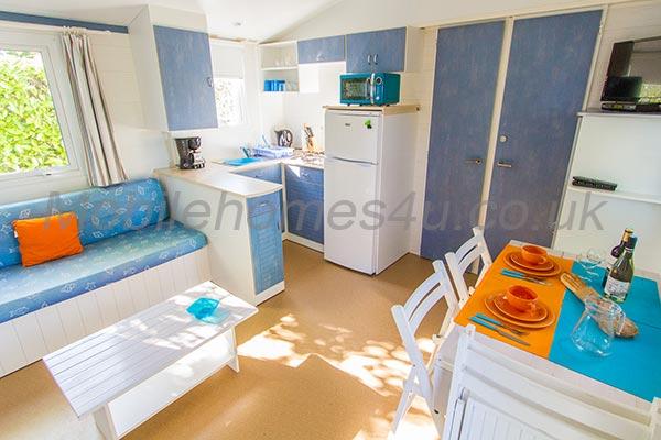 mobile-home-1244b.jpg