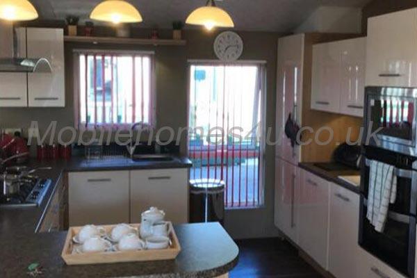 mobile-home-1273b.jpg