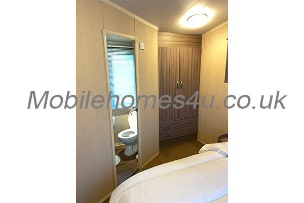 mobile-home-1303g.jpg