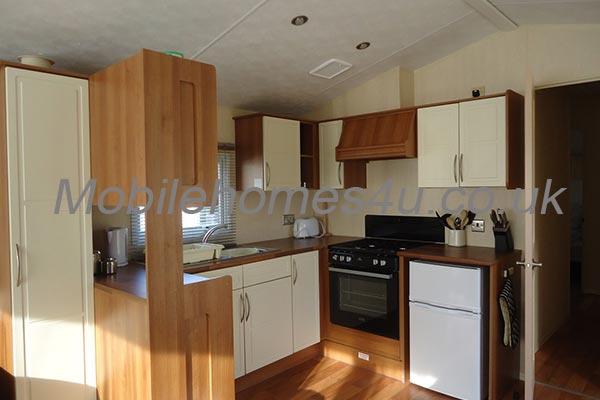 mobile-home-1370b.jpg