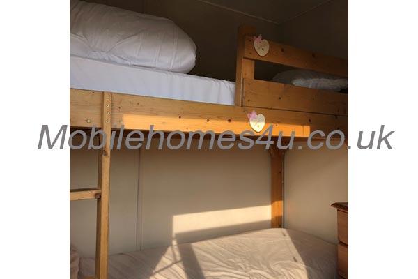 mobile-home-1429j.jpg