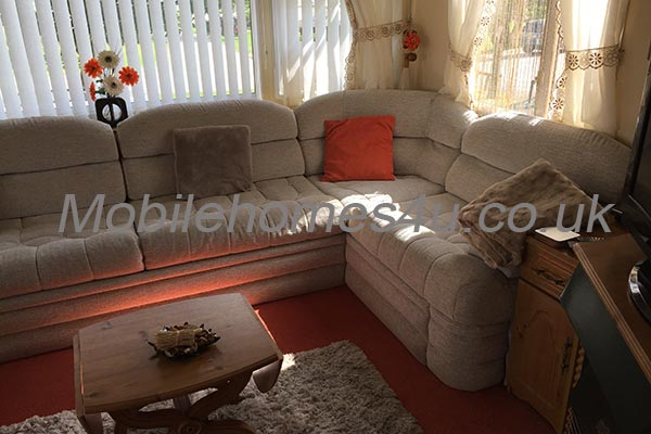 mobile-home-1457b.jpg