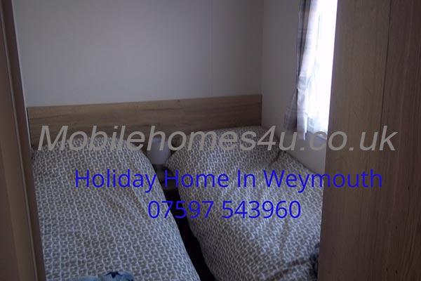 mobile-home-1467c.jpg