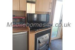 mobile-home-1473b.jpg