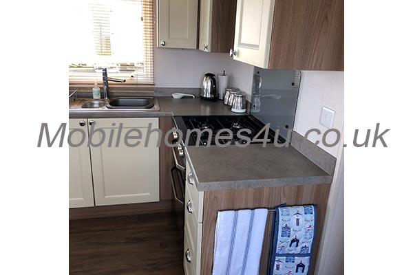 mobile-home-1489d.jpg