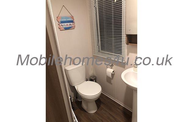 mobile-home-1489g.jpg