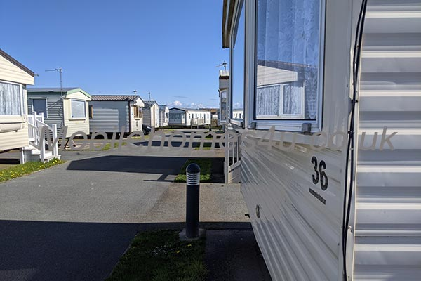 mobile-home-1514b.jpg